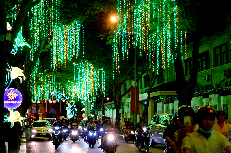 TP Hồ Chí Minh lung linh chào đón năm mới