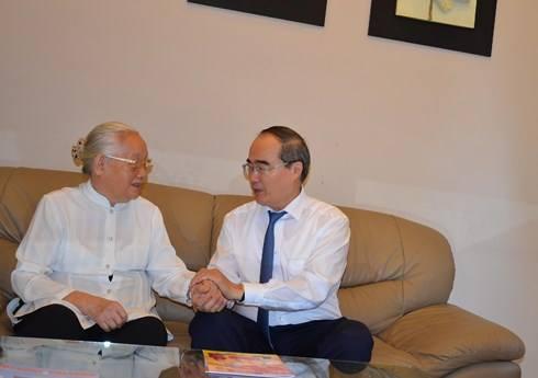 Bí thư Thành ủy TP. Hồ Chí Minh thăm các cá nhân, đơn vị nhân Ngày Thầy thuốc Việt Nam