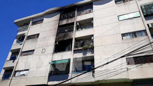 Dập tắt vụ cháy tại 3 căn hộ chung cư