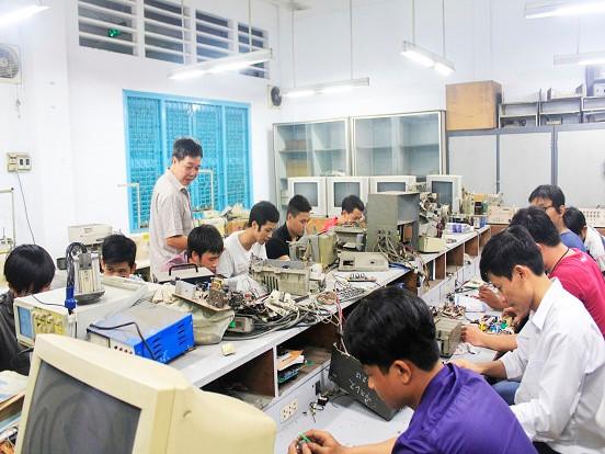Đào tạo nghề cho hơn 10.000 lao động nông thôn