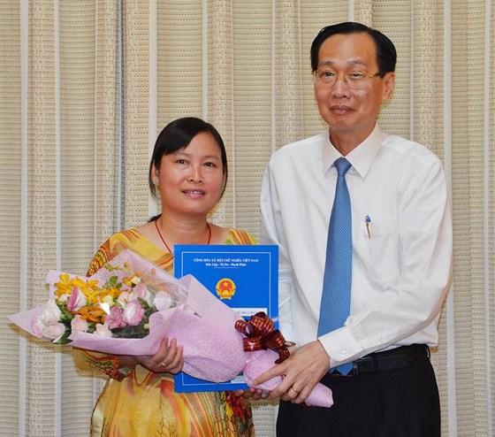 Đồng chí Huỳnh Thị Tuyết Nhung giữ chức Chủ tịch HĐTV Công ty TNHH MTV Dịch vụ cơ quan nước ngoài