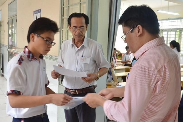 Hơn 80.000 thí sinh bước vào kỳ thi tuyển sinh lớp 10