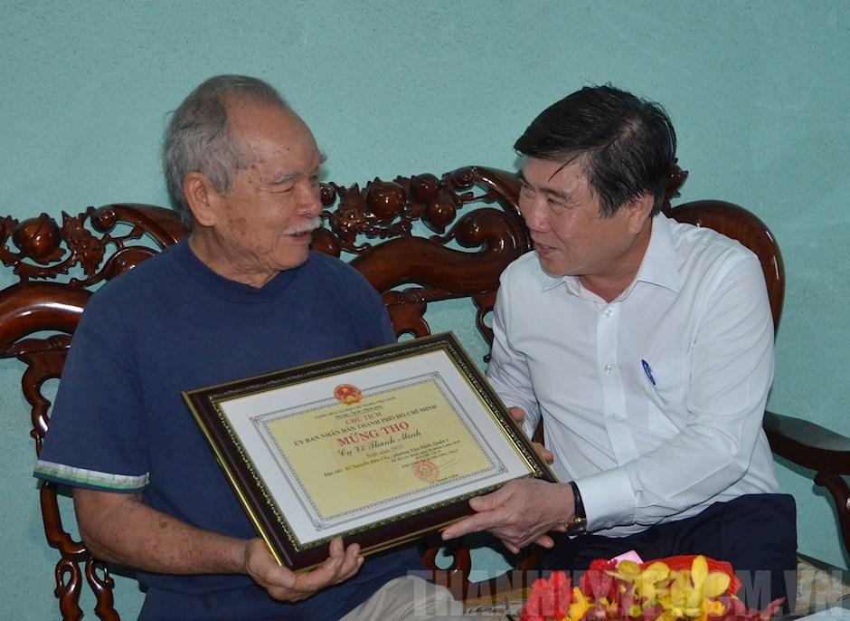 Chủ tịch UBND TP Hồ Chí Minh chúc thọ người cao tuổi