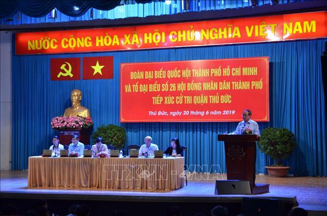 Bí thư Thành ủy TPHCM Nguyễn Thiện Nhân tiếp xúc cử tri quận Thủ Đức
