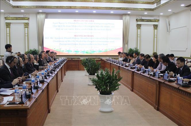 Chủ tịch UBND TP. Hồ Chí Minh làm việc với đoàn Đại sứ các nước EU