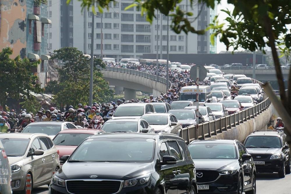 Dự kiến từ năm 2021 mới thu phí ô tô vào trung tâm TPHCM