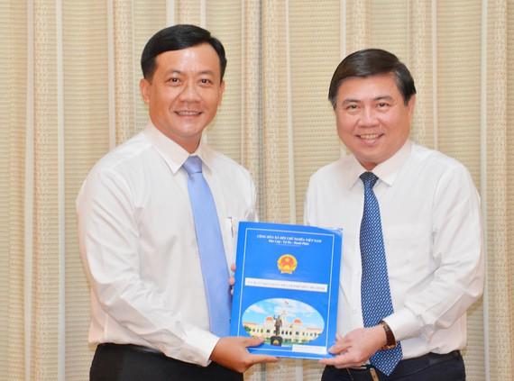 Đồng chí Hà Phước Thắng làm Chánh Văn phòng UBND TP Hồ Chí Minh