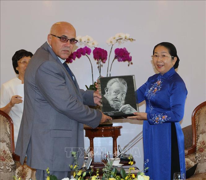 TP. Hồ Chí Minh luôn sẵn sàng trao đổi, chia sẻ kinh nghiệm với Cuba