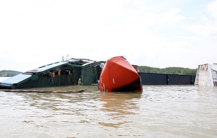 Sẵn sàng ứng phó sự cố tràn dầu tàu Vietsun Integrity