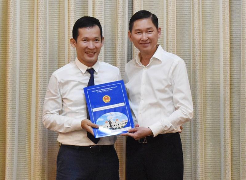 Đồng chí Nguyễn Hồng Văn giữ chức vụ Phó Tổng Giám đốc Công ty Đầu tư Tài chính Nhà nước TPHCM