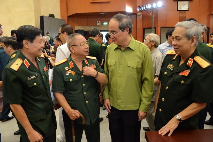 Ghi nhận công lao, đóng góp của các đồng chí cán bộ quân đội nghỉ hưu