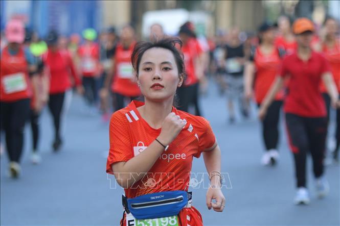 Gần 13.000 vận động viên tham gia Giải Marathon quốc tế
