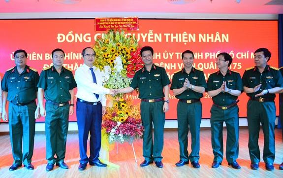 Lãnh đạo TP. Hồ Chí Minh thăm, chúc mừng các thầy thuốc