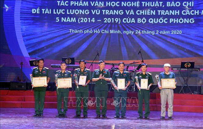 Trao giải văn học nghệ thuật, báo chí của Bộ Quốc phòng giai đoạn 2014-2019 tại khu vực phía Nam