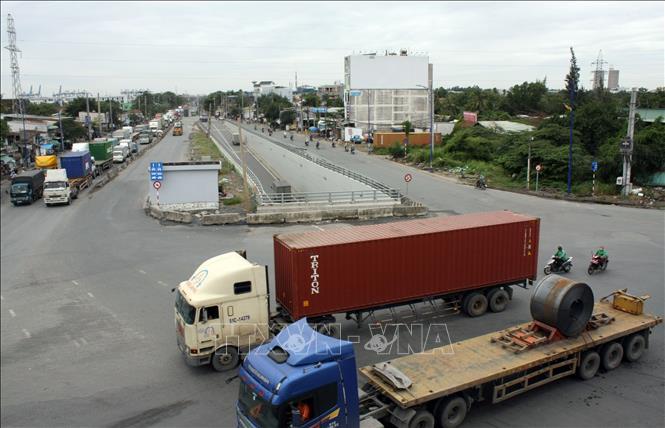 Đầu tư các công trình xử lý điểm ùn tắc giao thông vào cảng Cát Lái