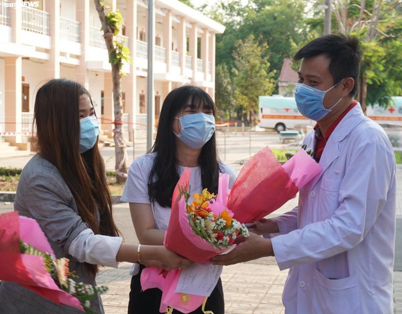 4 bệnh nhân COVID-19 khỏi bệnh, được xuất viện