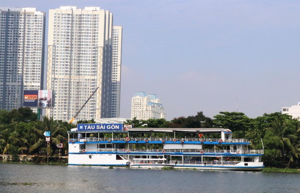 Du lịch trên sông Sài Gòn