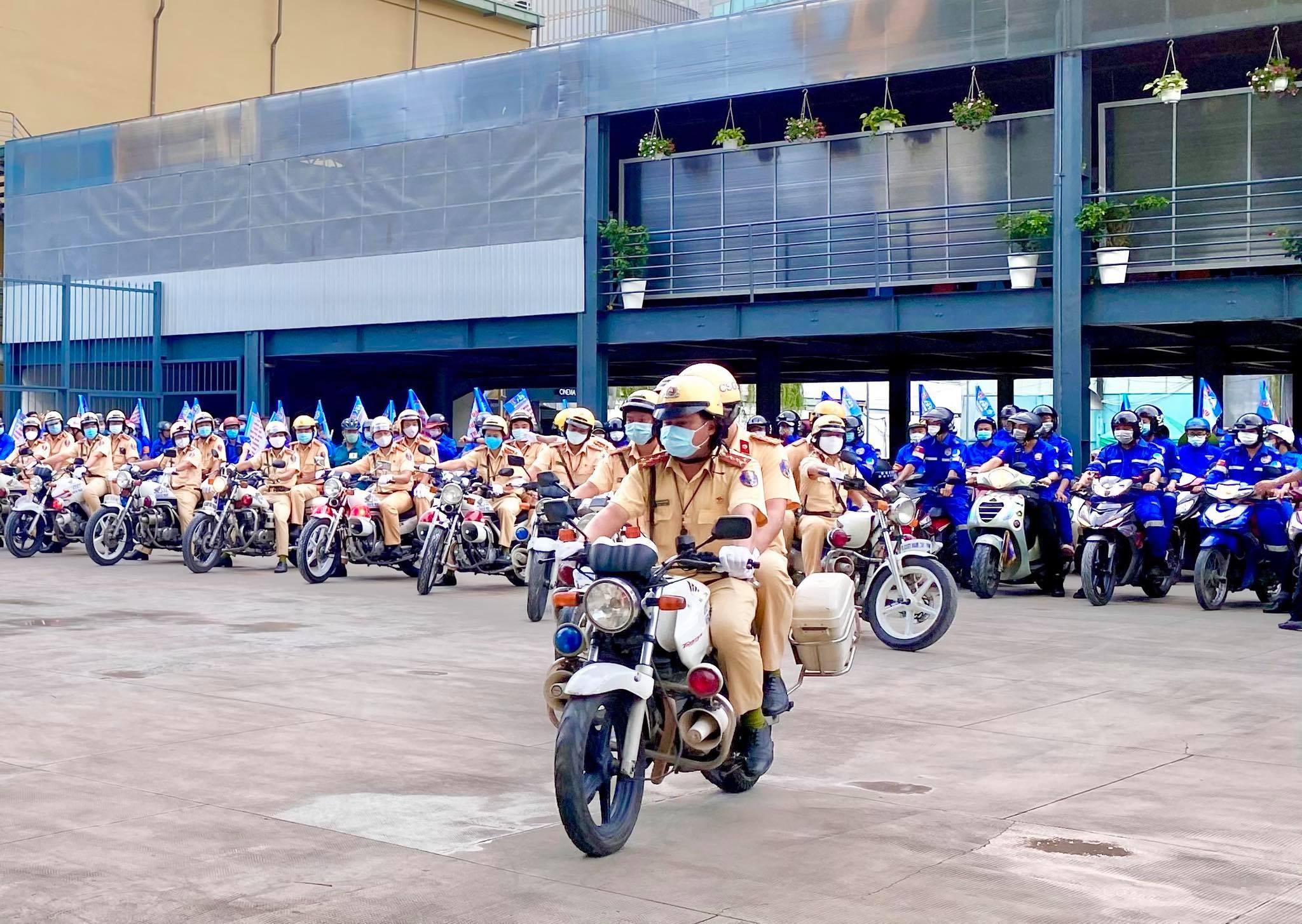 Phát động đợt cao điểm đoàn viên, thanh niên TP tham gia đảm bảo trật tự, an toàn giao thông