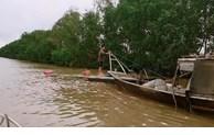 Cứu 2 ngư dân gặp nạn trên sông Soài Rạp