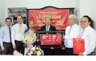 Trao Huy hiệu Đảng cho các đảng viên cao tuổi Đảng