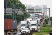 Thu phí cảng biển để mở rộng các tuyến đường kết nối, tăng sự cạnh tranh cho hệ thống cụm cảng TP