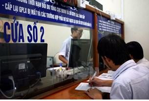 Tạo điều kiện thuận lợi cho người dân thực hiện thủ tục cấp đổi giấy phép lái xe