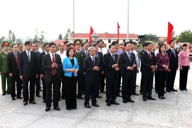 Lãnh đạo tỉnh Bắc Ninh dâng hương nhân kỷ niệm 110 năm Ngày sinh đồng chí Ngô Gia Tự