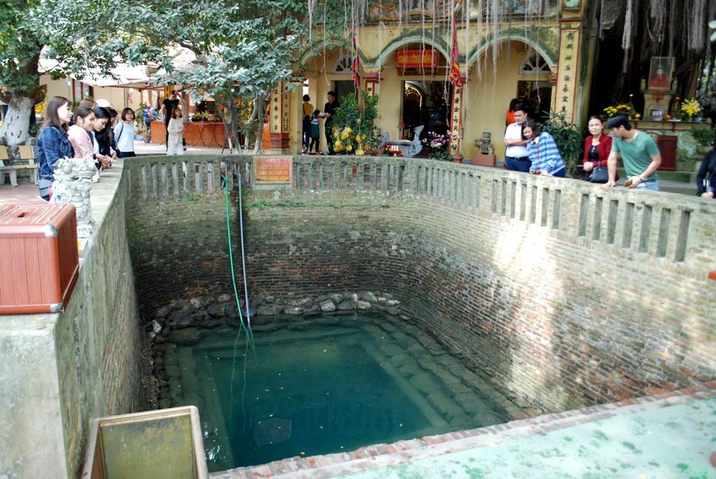 Về Bắc Ninh thăm Đền Cùng - Giếng Ngọc 