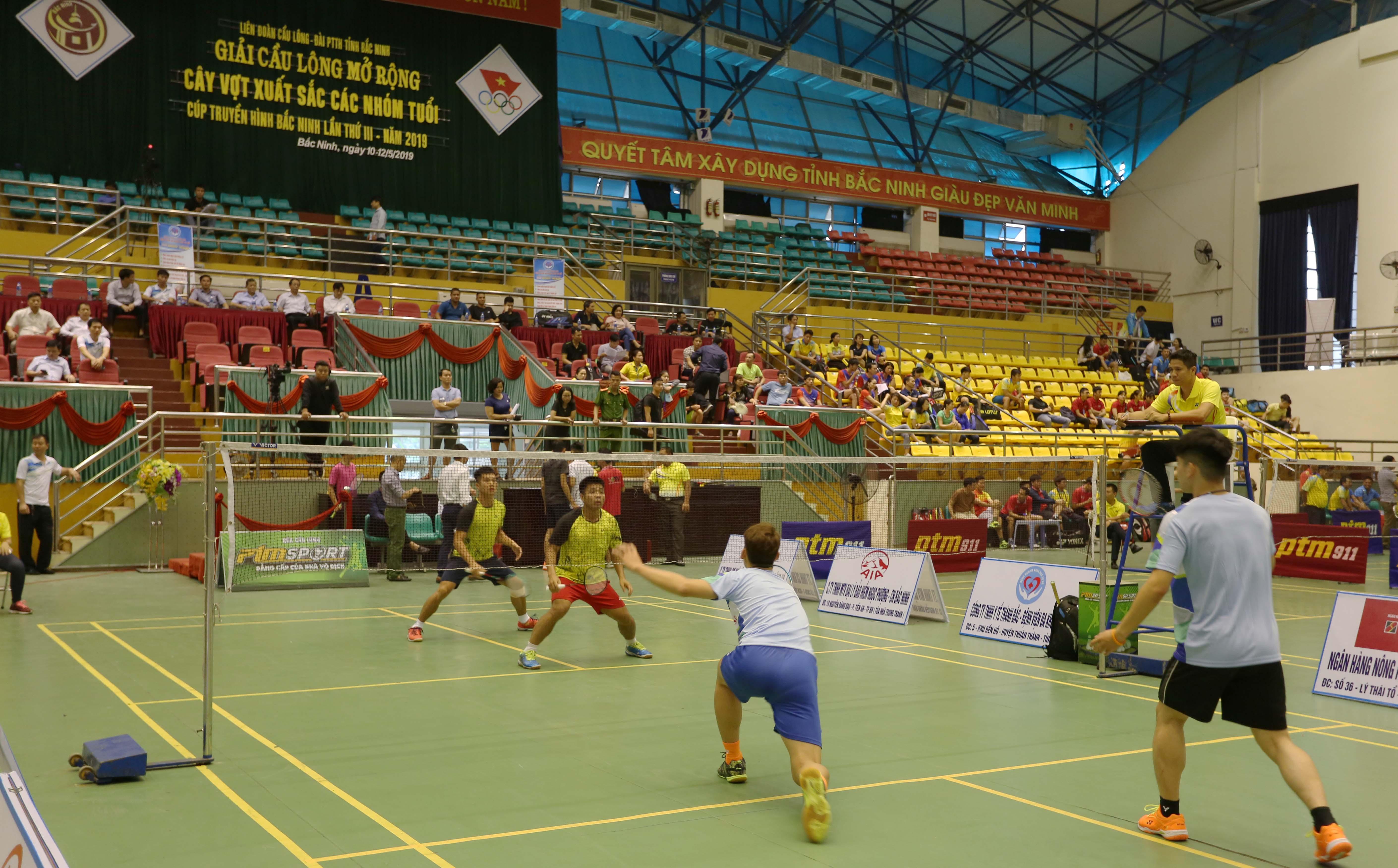 Gần 200 vận động viên tham dự Giải cầu lông Cúp Truyền hình Bắc Ninh lần thứ III