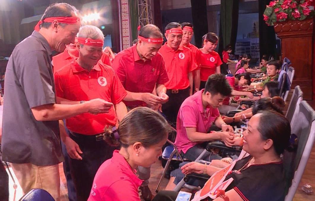 Hơn 3.000 lượt người đăng ký tham gia hiến máu tình nguyện