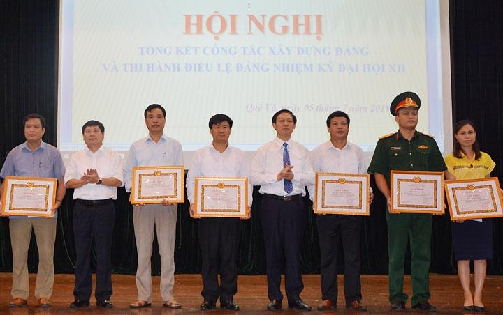 Huyện Quế Võ kết nạp hơn 620 đảng viên mới