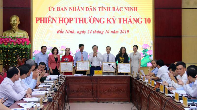 UBND tỉnh Bắc Ninh khen thưởng 4 hội viên phụ nữ, nông dân đạt thành tích xuất sắc