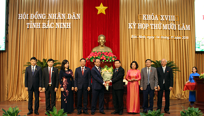 Bầu bổ sung các chức danh Chủ tịch HĐND và Chủ tịch UBND tỉnh