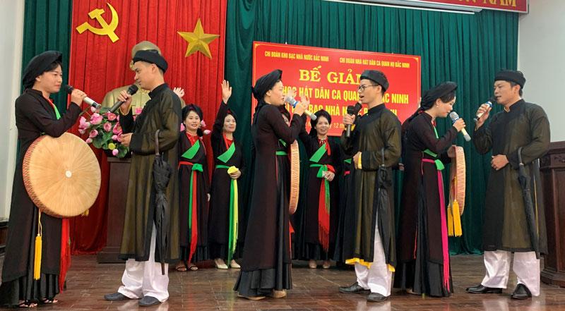 Bắc Ninh: Truyền dạy hát dân ca Quan họ cho cán bộ, đoàn viên Kho bạc Nhà nước tỉnh