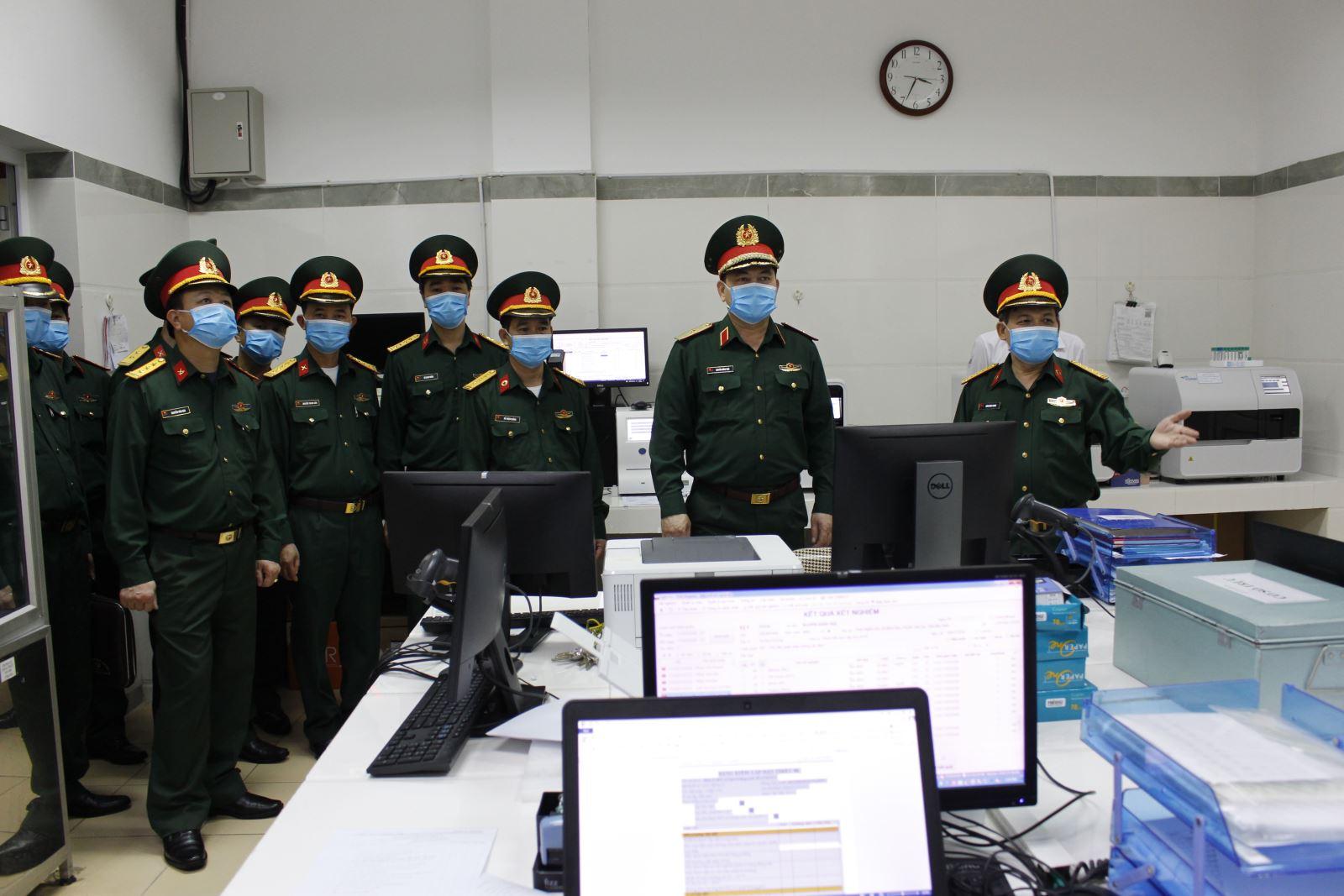 Tư lệnh Quân khu I kiểm tra công tác phòng, chống dịch Covid-19 tại Bệnh viện Quân y 110
