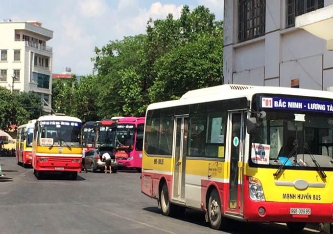 Thực hiện tạm dừng hoạt động các xe hợp đồng trên 9 chỗ và xe taxi