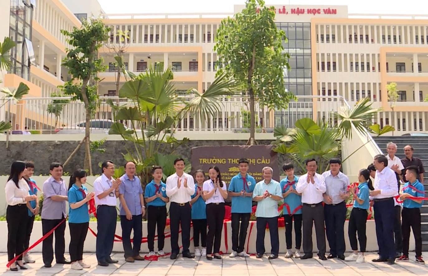 Thành phố Bắc Ninh gắn biển công trình chào mừng Đại hội Đảng bộ
