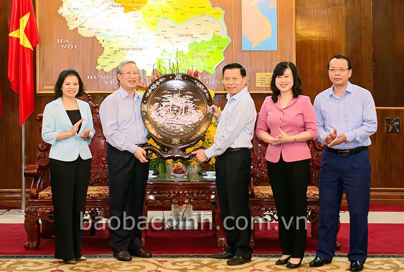 Bắc Ninh phấn đấu phát triển kinh tế - xã hội gắn với bảo vệ môi trường
