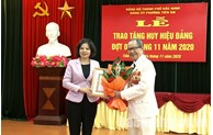 Trao Huy hiệu Đảng tại phường Tiền An, thành phố Bắc Ninh