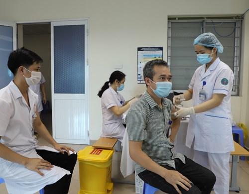 Ngành Y tế hoàn thành tiêm 150.000 liều vắc xin COVID-19 trong đợt 3