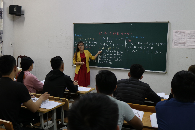 Cần tăng cường đào tạo nghề, ngoại ngữ... cho người lao động