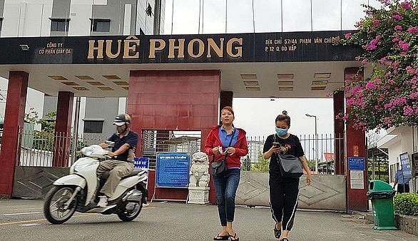 Bố trí việc làm cho hơn 2.200 lao động của Công ty Huê Phong