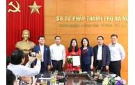 Trao quyết định bổ nhiệm Phó Giám đốc Sở Tư pháp thành phố