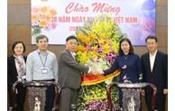 Phó Bí thư Thường trực Thành ủy Nguyễn Thị Tuyến chúc mừng Học viện Chính trị khu vực I