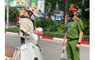 Hà Nội yêu cầu kiểm tra các phương tiện lưu thông, kể cả xe cứu thương, xe công vụ... được cấp phép luồng xanh