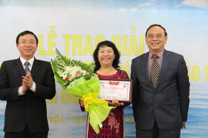 Trao giải cuộc thi Tìm hiểu pháp luật về biển đảo Việt Nam lần thứ nhất 2014