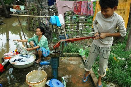 Nâng cao trình độ cho tình nguyện viên tham gia dự án về nước sạch