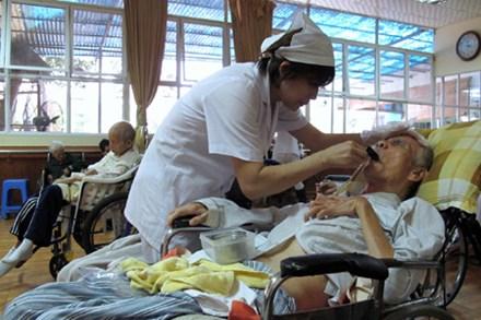 Tích cực triển khai công tác xã hội trong ngành y