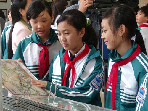 Trưng bày hơn 200 tư liệu, hình ảnh khẳng định chủ quyền của Việt Nam đối với hai quần đảo Hoàng Sa và Trường Sa