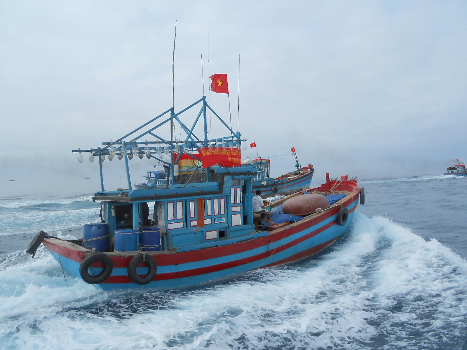 Bám ngư trường truyền thống, góp phần bảo vệ vùng biển thiêng liêng của Tổ quốc